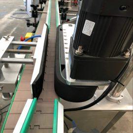 รายละเอียดเครื่องติดฉลากสองด้านด้านหน้าและด้านหลังอัตโนมัติ